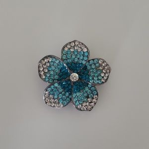Ombre Tourquise flower ring